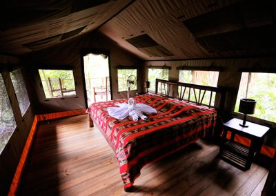 02-interior-of-a-safari-tent